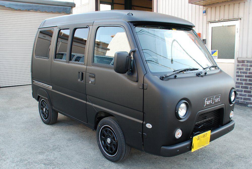 パズ おしゃれな軽自動車. 黒にメッキというのが高級感とおしゃれさを出しています。