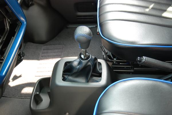 4wd マニュアル 新車
