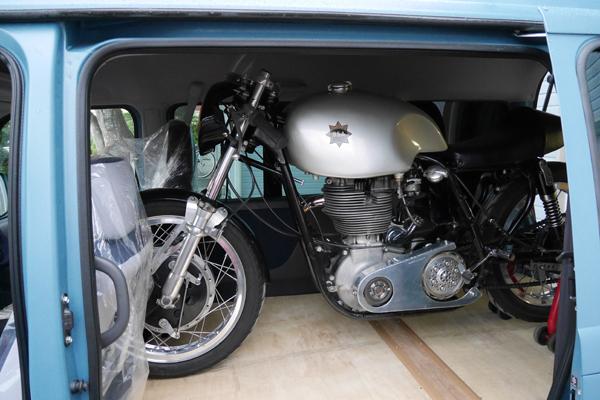 サンバー バイク