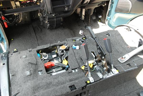 サンバー 防音 制振加工